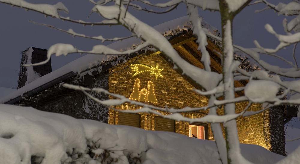 https://www.eifelmomente.de/albums/Nordeifel/Winter/2020-21_Winter/2021_01_08_-_095_Kesternich_DNG_DRI_bearb_ausschn.jpg