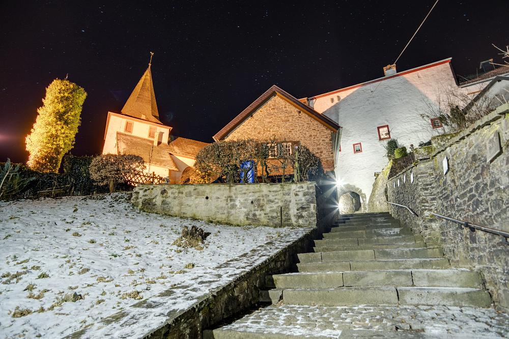 https://www.eifelmomente.de/albums/Nordeifel/Winter/2020-21_Winter/2021_02_13_-_117_Kronenburg_DNG_DRI_bearb.jpg
