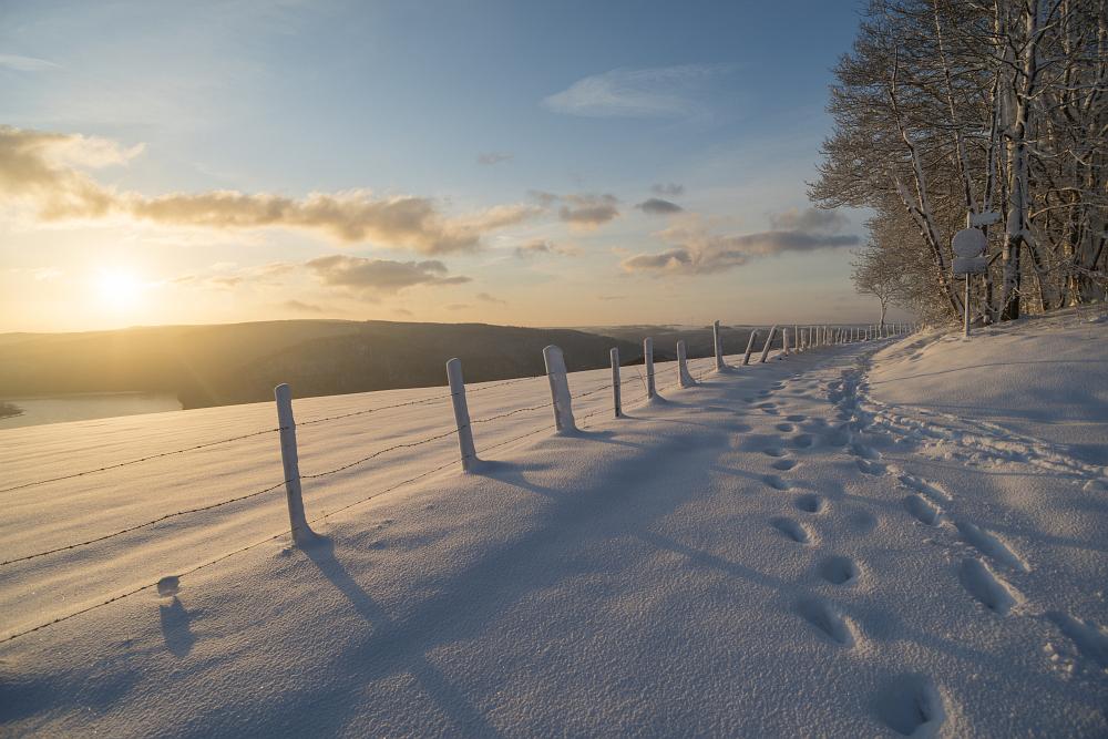 https://www.eifelmomente.de/albums/Nordeifel/Winter/2020_02_27-28_Wintergastspiel/2020_02_28_-_113_Bei_Steckenborn_DNG_DRI_bearb.jpg