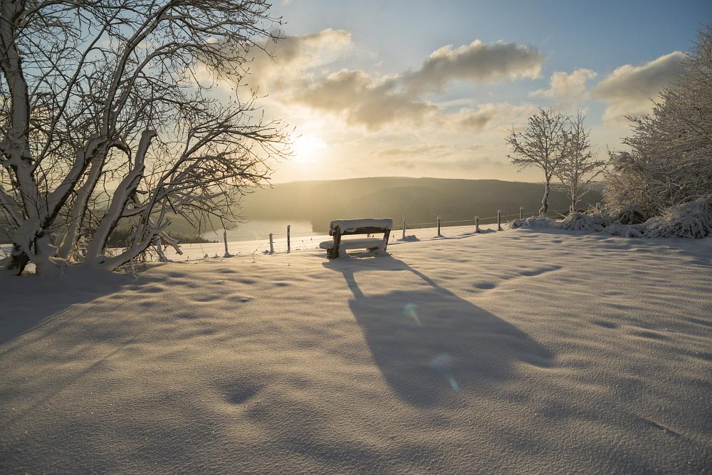 https://www.eifelmomente.de/albums/Nordeifel/Winter/2020_02_27-28_Wintergastspiel/2020_02_28_-_131_Bei_Steckenborn_DNG_DRI_bearb.jpg