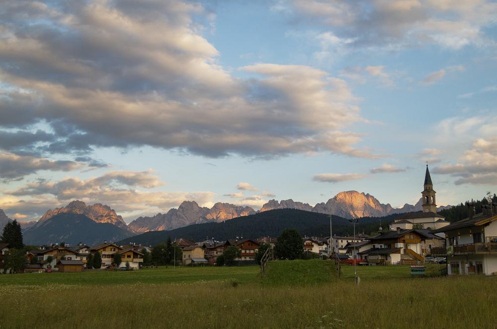 https://www.eifelmomente.de/albums/Urlaub/2018_07_17-26_Alpen/2018_07_17_-_31_Padola_CR2_bearb_ausschn.jpg