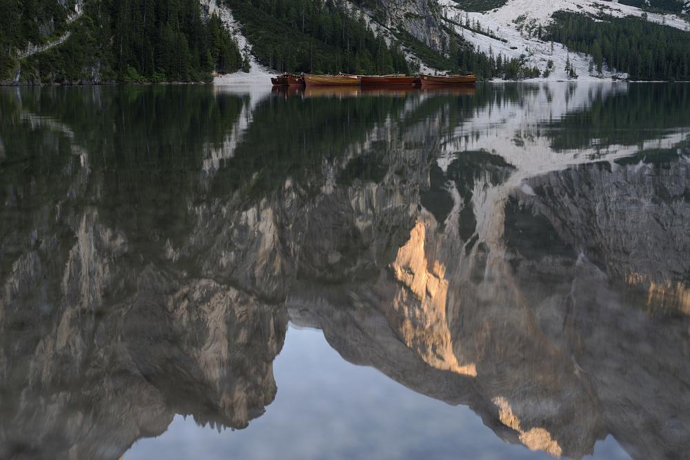 https://www.eifelmomente.de/albums/Urlaub/2018_07_17-26_Alpen/2018_07_18_-_214_Pragser_Wildsee_DNG_bearb.jpg