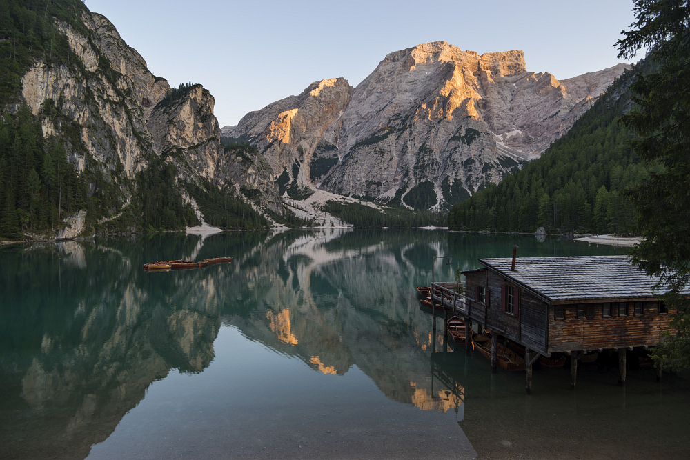 https://www.eifelmomente.de/albums/Urlaub/2018_07_17-26_Alpen/2018_07_18_-_223_Pragser_Wildsee_DNG_DRI_bearb.jpg