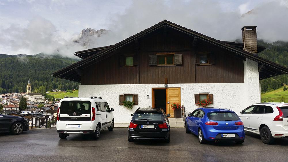 https://www.eifelmomente.de/albums/Urlaub/2018_07_17-26_Alpen/2018_07_21_-_014_Padola_Ferienwohnung_ACR_bearb_Kennz.jpg