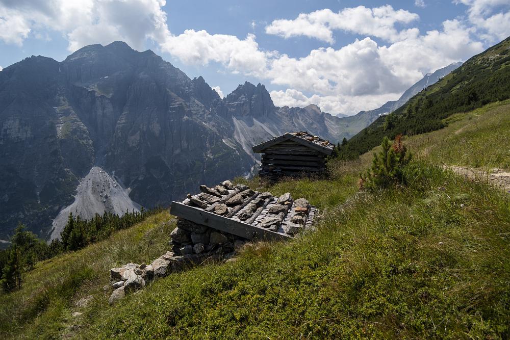 https://www.eifelmomente.de/albums/Urlaub/2018_07_17-26_Alpen/2018_07_24_-_159_Elfer_Panoramaweg_DNG_bearb.jpg