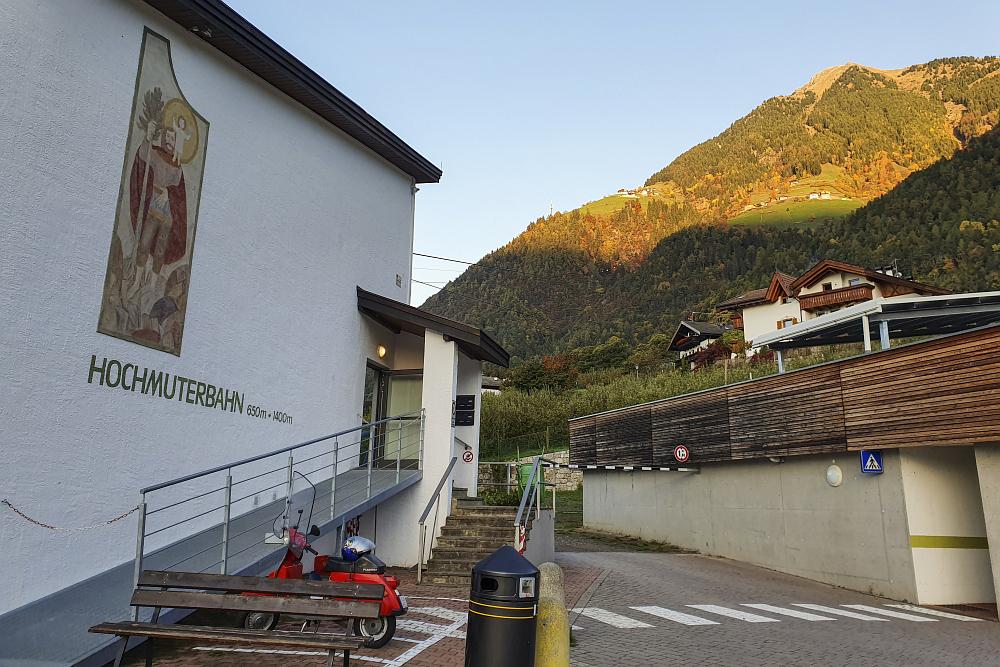https://www.eifelmomente.de/albums/Urlaub/2019_10_20-11_03_Suedtirol/2019_10_27_-_002_Hochmuterbahn_ACR_bearb_ausschn.jpg