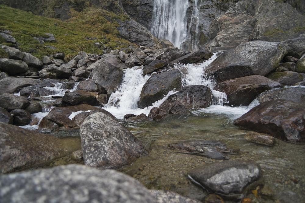 https://www.eifelmomente.de/albums/Urlaub/2019_10_20-11_03_Suedtirol/2019_10_28_-_070_Partschinser_Wasserfall_DNG_bearb.jpg
